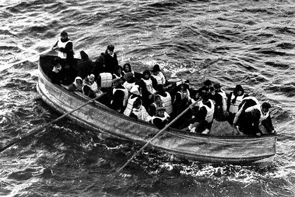 Collapsible D from RMS Titanic nearing the Carpathia at 7.15 a.m. on 15 April 1912